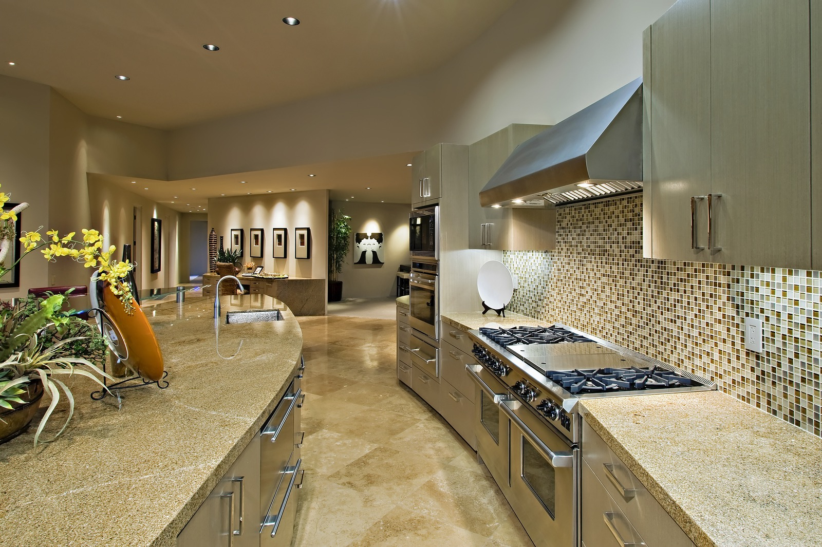 Lovely Orange Tan Speckled Granite, Travertine Tile, Creme Backgbround, Stainless  Appliances (1)?crcu003d3814774888